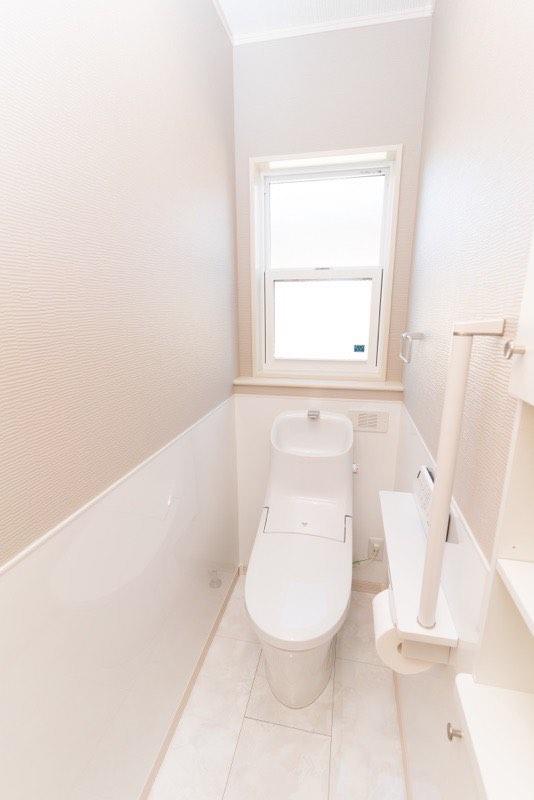 2階トイレの壁紙